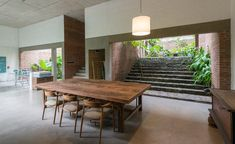 Palinda Kannangara designs an artists' retreat in Colombo | On the outskirts of Colombo, Sri Lanka, Palinda Kannangara architects has designed an artists' retreat that is a layered series of interior and exterior courtyards #srilanka #artistsretreat #trav