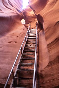 1) Antelope Canyon, Arizona, USA