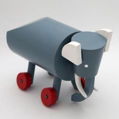 Ladislav Sutnar - Elephant wooden toy, 1920