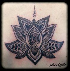 tatouage fleur de lotus graphique
