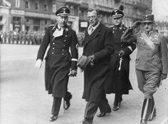 SeyssInquart Arthur 18921946 jurist politician Austria/Germany Reichstatthalter of the 'Ostmark' 0319380439 together with Heinrich Himmler in Vienna...