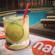 Ven y relajate con una refrescante bebida en el mejor #Lounge de la ciudad #Nau