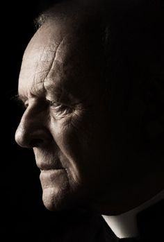 """Anthony Hopkins as Father Lucas Trevant in """"The Rite / El Rito"""" - Rostros / Faces / Portrait Adel Verpflichtet, Sir Anthony Hopkins, Jean Reno, Simple Portrait, The Rite, Portrait Lighting, Actrices Hollywood, John Travolta, Poses For Men"""