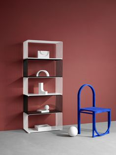 Panton Wire shelving system with rectangular modules in the colours Snow and Black Futuristisches Design, Chair Design, Furniture Design, Wire Shelving Units, Shelving Systems, Montana Furniture, Bar Image, Shelf System, Chair Price