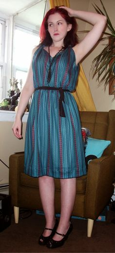 Craft, Thrift, or Die: All I wanna do is refashion dresses; like this vintage 80s teal number, thrift store dress refashion