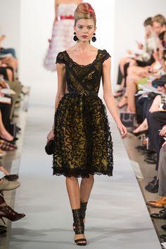 Oscar de la Renta Spring 2013 Ready-to-Wear Fashion Show - Karlie Kloss