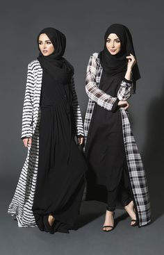 Stunning black checkered abaya design