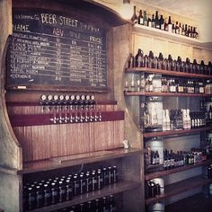 beer st - prominence of acv on menu board and lack of branding on tap handles