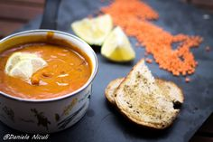 Supa crema de linte Thai Red Curry, Cooking Recipes, Breakfast Ideas, Ethnic Recipes, Food, Chowder, Meal, Cooker Recipes, Essen