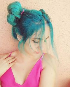 & on make us SO happy! Manic Panic Voodoo Blue, Pretty Hair Color, Hair Colour, Lady Lovely Locks, Hair Heaven, Blue Hair, Crazy Hair, Pretty Hairstyles, Hair Goals