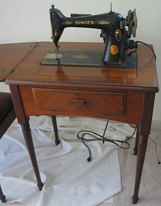 LINE 223 ANTIQUE SINGER SEWING MACHINE.This was my mother Laura Di Rosario's machine
