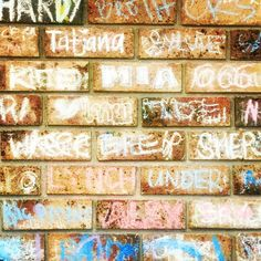 Just another brick in the wall! My own personal one.. so it seems. 😊 #graffiti #mia #sunday #lunch #friends #family #fun #chillout #name #sydney #urban #style