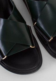 Marni Fussbett Sandal Juniper/Coal – Voo Store