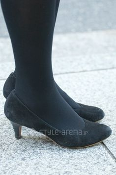 Asian Fashion, Women's Fashion, Sexy High Heels, Chelsea Boots, Tights, Pumps, Street Style, Legs, How To Wear