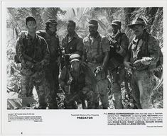 Arnold Schwarzenegger, Shane Black, Jesse Ventura, Carl Weathers, Bill Duke, Richard Chaves, and Sonny Landham in Predator (1987)