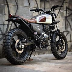 Sick @honda 300cc from @benditamacchina  #hondamotorcycles #tracker