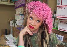 grav3yardgirl with worms on her head ;)
