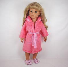 oblečky+pro+panenku+Hannah+Götz+50cm+župánek+z+tenšího+fleccu+s+kapucí+a+dvěma+kapsami,+v+pase+s+vázačkou+začištěno+owerlockem+produkt+mého+krejčovství+pro+panenky+Barbulka