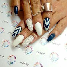 Nails pearls