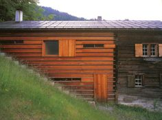 Peter Zumthor - Truog Gugalun House, Gugalun Via. Peter Zumthor, B Architecture, Vernacular Architecture, Small Buildings, Modern Buildings, New Urbanism, Wood Facade, Timber Cladding, Built Environment