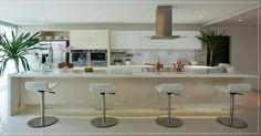 Cozinhas com ilha, Ilha central na cozinha, Cozinha espaçosa, Ilha na cozinha, Cozinhas com ilha central, Ilha central com mesa na cozinha, Ilha central com fogão
