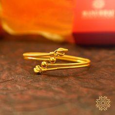Gold Ring Designs, Gold Bangles Design, Gold Earrings Designs, Gold Jewellery Design, Gold Rings Jewelry, Gold Jewelry Simple, Simple Necklace, Pearl Jewelry, Designer Jewelry Brands