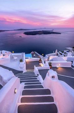 Have you ever been to Santorini? It's one of The 20 Best Greek islands, this is why we listed it in this article. Have you ever been to Santorini? It's one of The 20 Best Greek islands, this is why we listed it in this article. Beautiful Places To Travel, Best Places To Travel, Vacation Places, The Places Youll Go, Dream Vacations, Cool Places To Visit, Places To Go, Dream Vacation Spots, Honeymoon Places