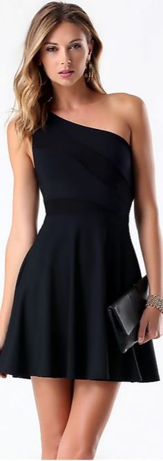 This Gorgeous elegance black dress outfits 35 image is part from 50 Gorgeous Elegant Black Dress Outfit Style gallery and article, click read it bellow to see high resolutions quality image and another awesome image ideas. Trendy Dresses, Sexy Dresses, Short Dresses, Prom Dresses, Sexy Little Black Dresses, Black Dress Outfits, Dress Casual, Stunning Dresses, Fit Flare Dress
