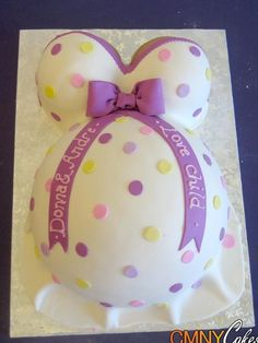 Pregnant belly Cake- cute!