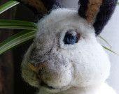Items similar to Life-like needle felted Easter Bunny on Etsy Wool Needle Felting, Needle Felted Animals, Felt Animals, Animal Fibres, Felt Birds, Easter Bunny, Fiber Art, Bunny Rabbits, Cool Stuff