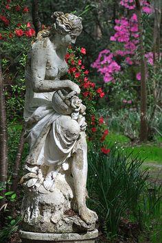 Garden statues - Magnolia PlantationWest Ashley, SC