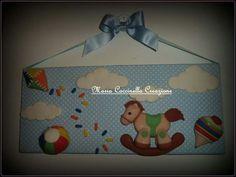 Quadro porta de maternidade personalizado em biscuit, criação Maria Coccinella cel.+39 331 535 9989