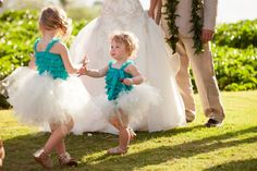 "Beautiful little girls in ""something blue.""  #makenaweddings www.makenaweddings.com"