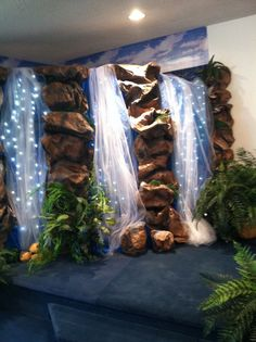 how to build a fake waterfall vbs - Yahoo Image Search Results Safari Theme, Jungle Theme, Waterfall Decoration, Cave Quest Vbs, Jungle Decorations, Patriotic Decorations, Ganapati Decoration, Diy And Crafts, Crafts For Kids