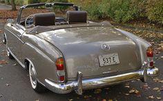 Cascadia Classic - Vintage cars in Portland Oregon: 1957 Mercedes 220S