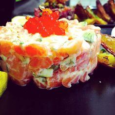 Tartare de saumon nordique Fresh Rolls, Ethnic Recipes, Food, Salmon Tartare, Meals, Yemek, Eten