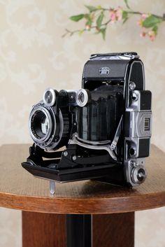 SUPERB! 1938 6x9 Super Ikonta with Tessar Lens, FRESHLY SERVICED – Petrakla Classic Cameras