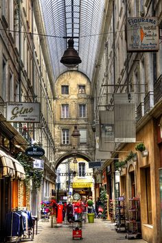 Carpentras - used to live here! La Provence France, Luberon Provence, Visit France, South Of France, Rue Pietonne, Belle France, British History, American History, Native American