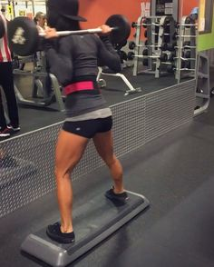 """399 Likes, 7 Comments - Michelle Ulibarri Serna (@michelle_serna) on Instagram: """"Part of today's leg workout! 🍑🔥 I always start leg day by stretching and foam rolling my legs.…"""""""