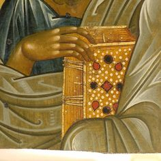 Detail of St John the Evangelist, a remarkable use of grey and lighter grey to write light on top of the olive green base color (proplasmos)