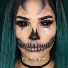 Amazing Halloween Makeup, Halloween Eyes, Halloween Makeup Looks, Halloween Season, Halloween Skull Makeup, Women Halloween, Halloween Make Up Scary, Halloween Makeuo, Scary Girl Halloween Costumes