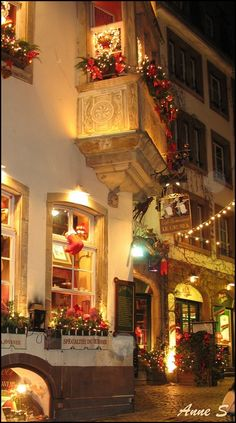 Amazing Places in the World! Strasbourg à Noël This is so beautiful!  http://www.trevarontours.com/index.php/blog/item/161-kenya-luxury-safaris.html#.UyakkdH3P0M