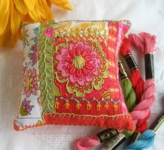 fiberluscious: beautiful pincushion