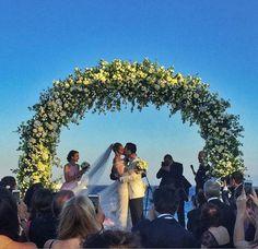 A modelo Ana Beatriz Barros se casou com o empresário Karim El Chiaty em Mykonos! A... Mais