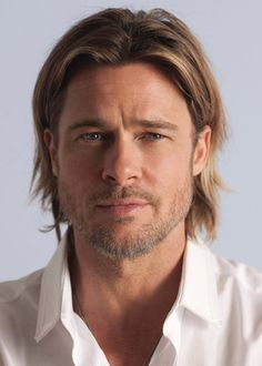 Some men cannot pull off long hair, especially as they get older. Brad Pitt, on the other hand, CAN pull it off. *swoon* is right.