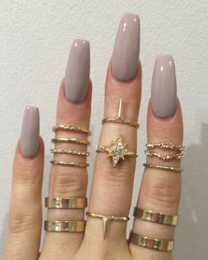 Midi rings always bring the nails to another level  | Pint: @PaigeC