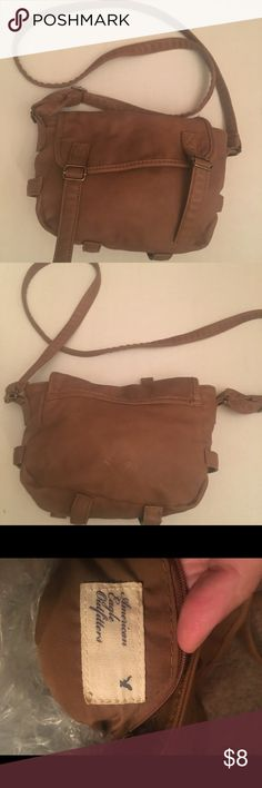 Brown faux leather crossbody bag Brown crossbody bag- faux leather like new. American eagle outfitters brand American Eagle Outfitters Bags Crossbody Bags