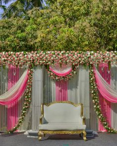 Avenue Hospitality Wedding Planners Bangalore plan and organise signature weddings. The leading Wedding Planners Bangalore make your dream wedding magical with their professional and creative wedding decor Simple Stage Decorations, Wedding Stage Decorations, Engagement Decorations, Backdrop Decorations, Wedding Stage Backdrop, Wedding Backdrop Design, Wedding Stage Design, Indian Wedding Theme, Desi Wedding Decor
