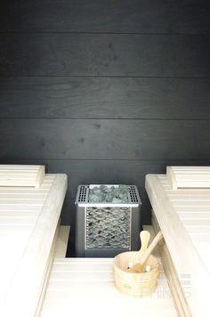 sauna geverfd met supi sauna verf van tikkurila Portable Sauna, Spa, Home Decor, Decoration Home, Room Decor, Home Interior Design, Home Decoration, Interior Design