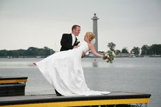 Put-in-Bay, Ohio wedding via www.christyandben.com. Perry's Victory & International Peace Memorial and Lake Erie in the background.